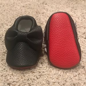 Other - Brand New Red Bottom Baby Moccasins Black w/ Bow